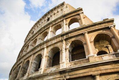 Plakát Pohled na Koloseum v Římě, v Itálii během dne