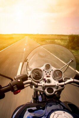 Plakát Pohled na motocyklu jezdec