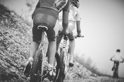 Plakát ragazzo Ciclista Gara di mountainbike