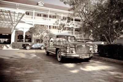 Plakát Retro Car na Vintage auto Parade 2010 v Sofitel Resort 18. prosince 2010 v Hua Hin, Thajsko.