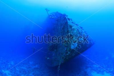 Plakát Salem Express byl osobní loď, která se potopila v Rudém moři. To je sporné kvůli tragické ztrátě života, která nastala když ona se potopila krátce po půlnoci 17. prosince 1991.