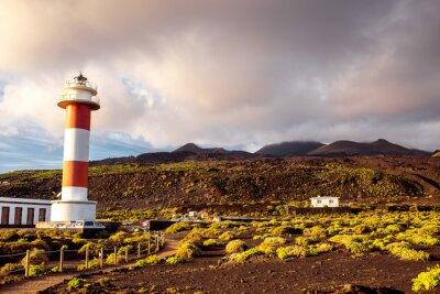 Plakát Sopečná krajina s majákem nedaleko sůl továrny Fuencaliente na ostrově La Palma ve Španělsku