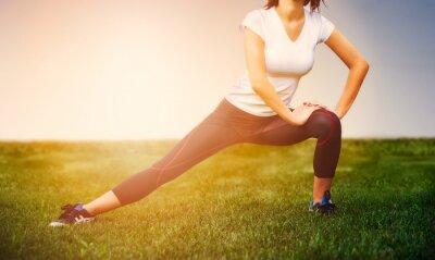 Plakát Sportovec dívka - sportovec cvičení na venku, žena fitness