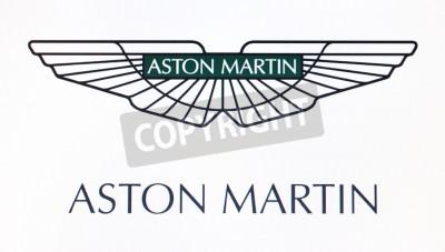 Plakát St. Petersburg, Rusko-10.2.2015: Aston Martin logo na obrazovce. Je známý svět značky.