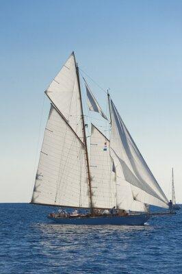 Plakát Starověké plachetnice v průběhu závodu na Panerai Classic YAC