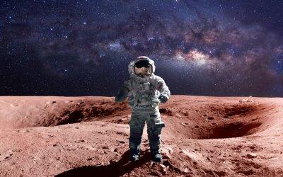 Plakát Statečný astronaut na spacewalk na Marsu. Tyto obrazové prvky zařízen NASA.