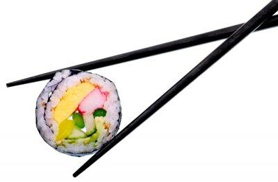 Plakát Sushi rolka s černými hůlkami na bílém pozadí