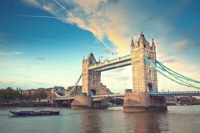 Plakát Tower bridge při západu slunce, Londýn