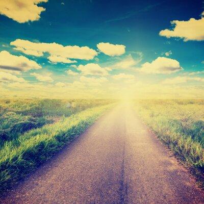 Plakát Vintage foto polní a venkovské silnici s slunečního světla