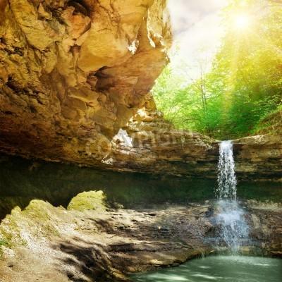 Plakát vodopád v horských