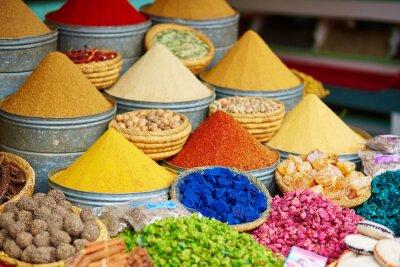 Plakát Výběr koření na marocký trh