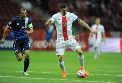 Plakát WARSAW, POLAND - SEPTEMBER 07, 2015: EURO 2016 France Football Euro Cup Qualifiers Poland vs Gibraltarop Roy Chipolina Robert Lewandowski