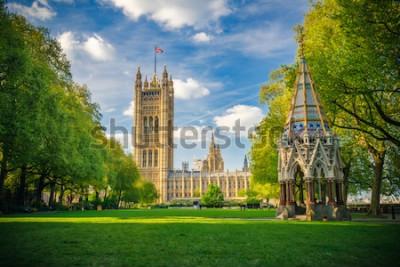 Plakát Westminsterské opatství při pohledu ze zahrad Victoria Tower, Londýn, Velká Británie