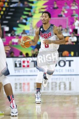 Plakát Derrick Rose z USA Team v akci na FIBA World Cup basketbalového utkání mezi USA a Mexikem, konečné skóre 86-63, 6. září 2014, v Barcelona, Španělsko