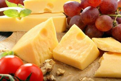Plakát Žlutý sýr skladba na desce sýr